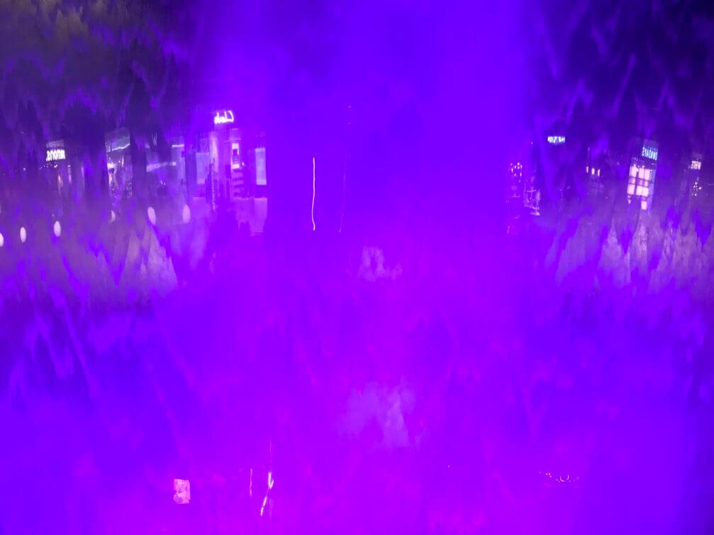 画像24 人工滝 ライトアップ 紫